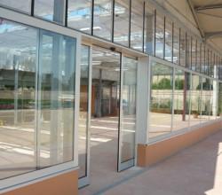 Porta automatica e vetrate