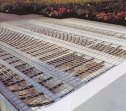 Bancali di produzione per giovani piante con rete e letto caldo