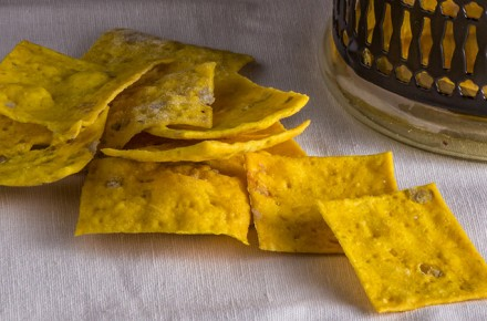 CRACKERS WITH NUCLEO® CURCUMA