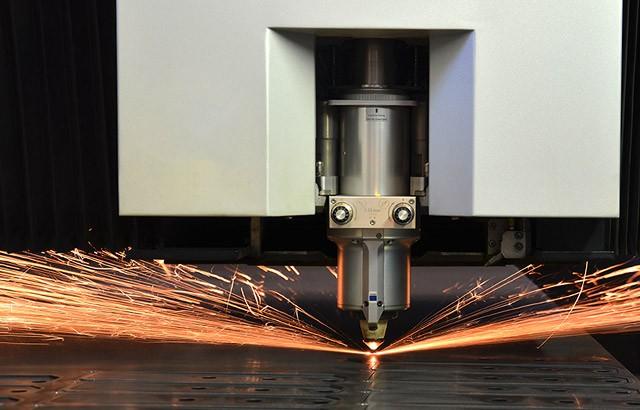 Taglio laser piano lamiera