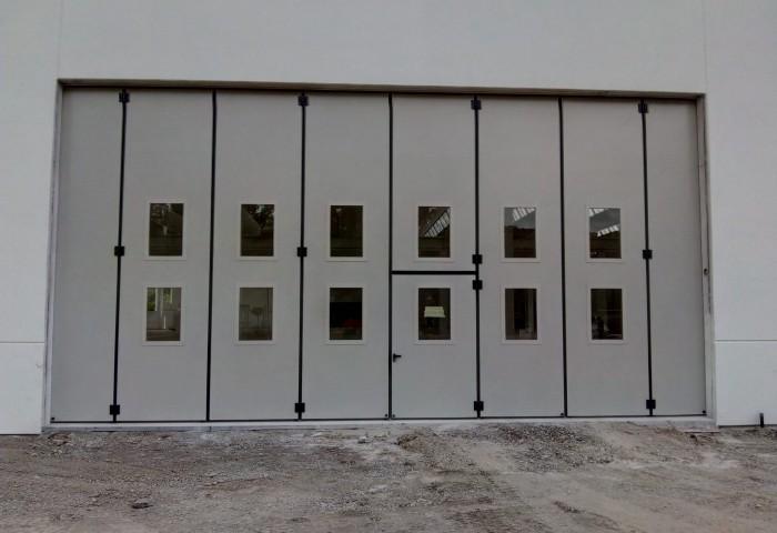Sei un serramentista e vuoi rivendere porte industriali con o senza posa in opera?